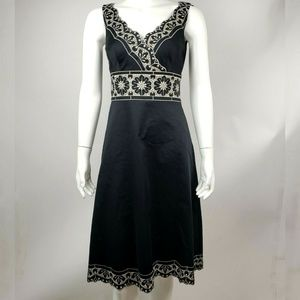 ANN TAYLOR Black White Embroidered Dress Size 2